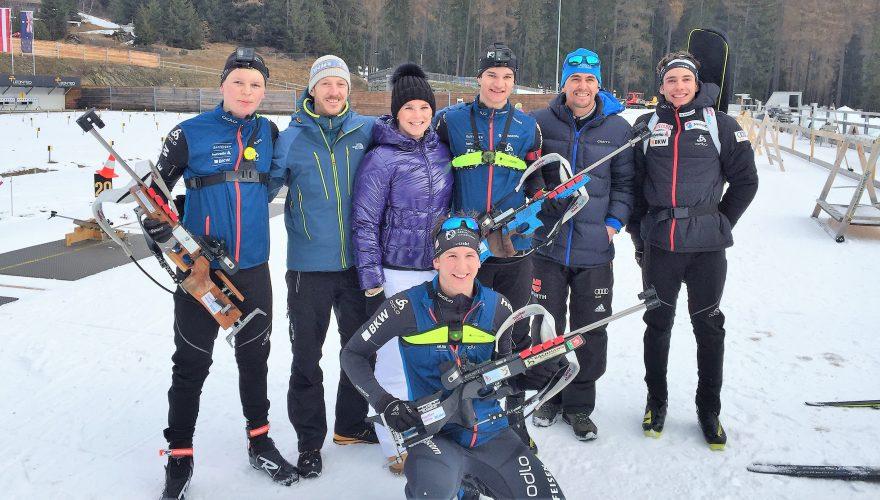 Michael Bartl und Regina Burgmayr von TAWNY mit Biathleten in Lenzerheide